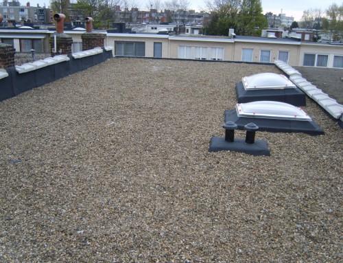 Over platte daken.